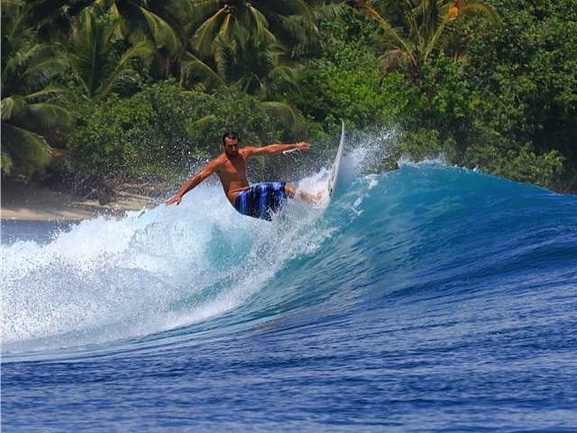 ryan acosta surfing 4